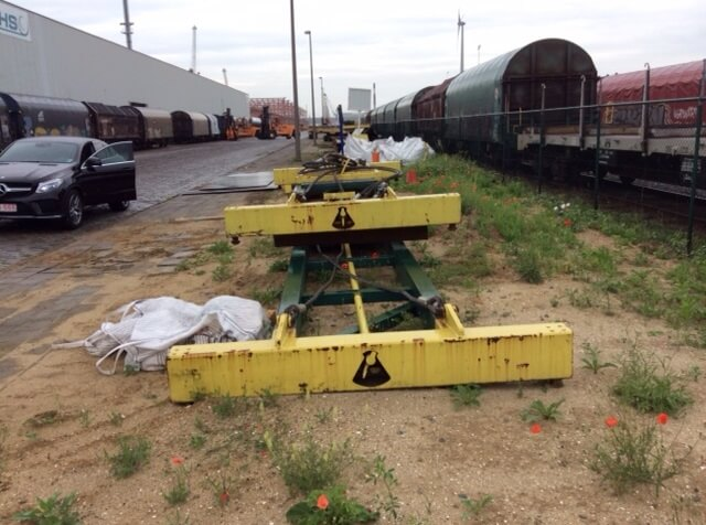 Mechanische container spreader